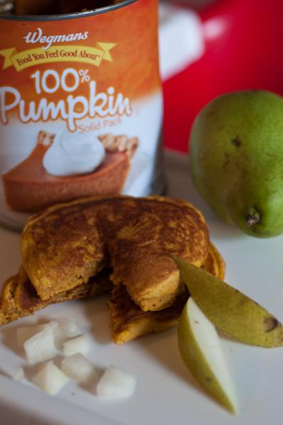 Vegan-ish Pumpkin Pie Pancakes